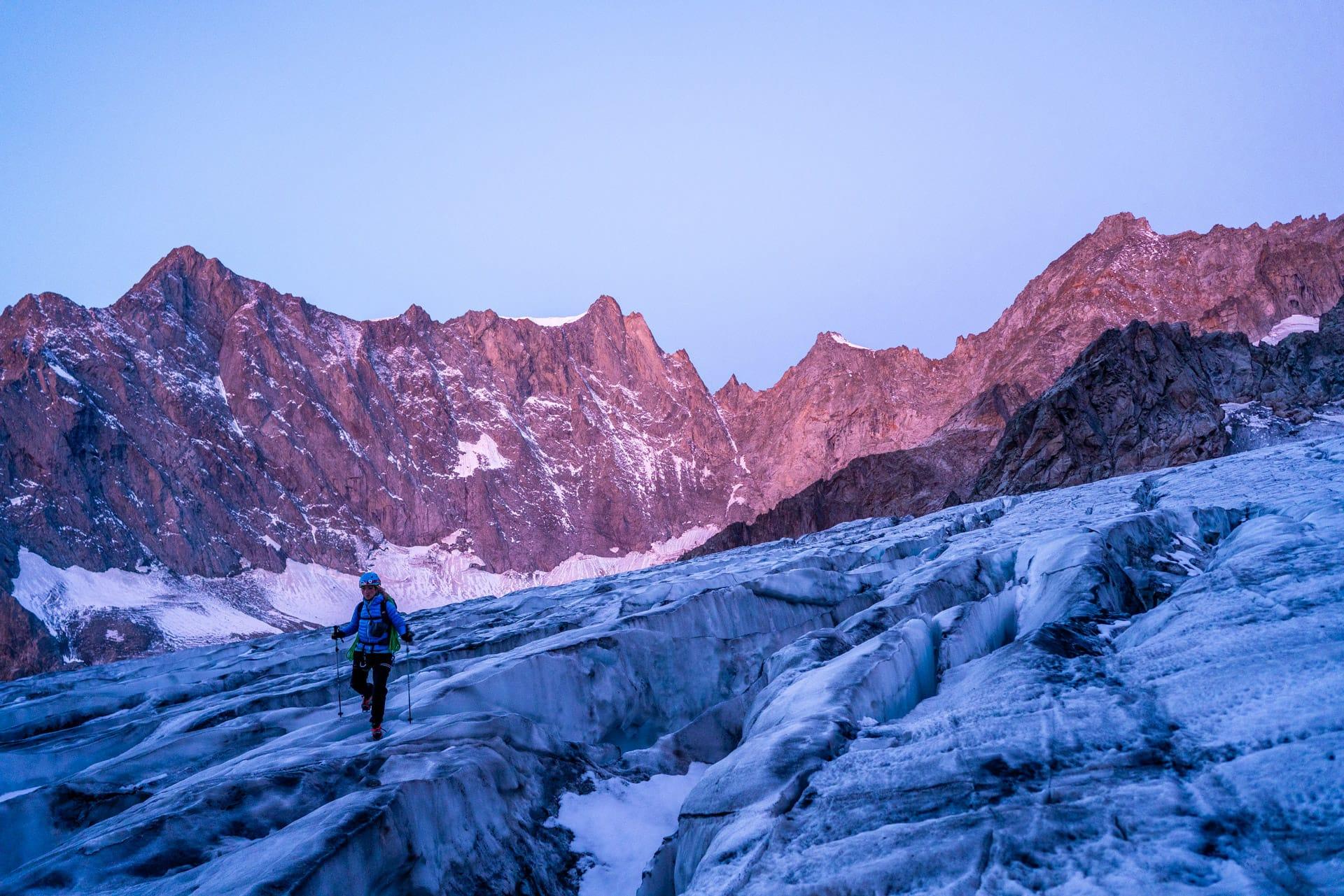 Envers Mont-Blanc #1<br><span id='secondary-title' style='font-size:28px;line-height:34px;color:#fff!important;font-weight:300;display:block;padding-top:34px;'>Envolée sur les traces de Paul Preuss à l'Aiguille de Savoie.</span>